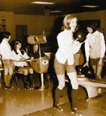bowling_girls.jpg