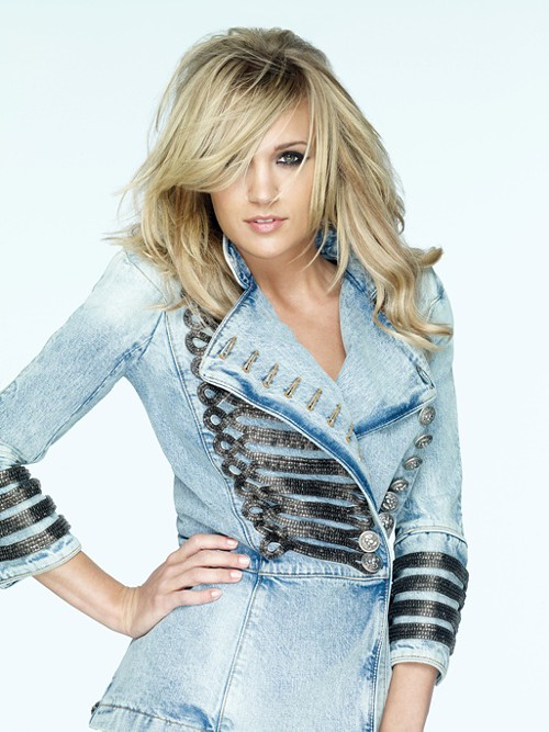 Carrie Underwood: She sings real pretty too