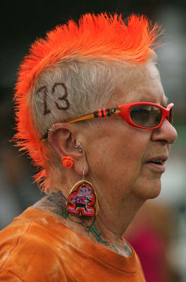 Browns fan, aunt, kicker of ass.