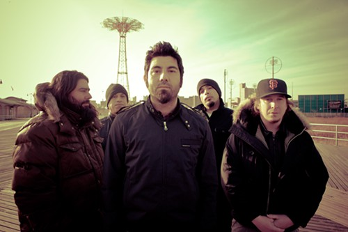 Deftones, prepared for all kinds of weather