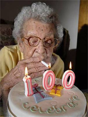 funny-old-lady-smoking.jpg