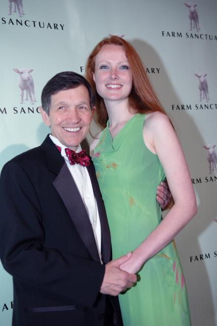 dennis-kucinich-wife.jpg